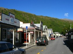 Avia - Arrowtown_Street.jpg