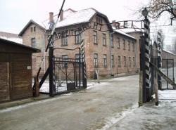Avia - Auschwitz_I_concentration2.jpg
