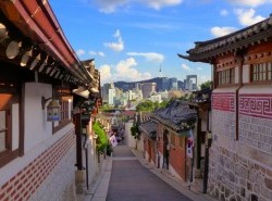 Avia - Bukchon_Hanok_Village.jpg