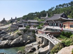 Avia - Haedong_Temple1.jpg