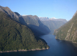 Avia - Milford-Sound-New-zealand32.jpg