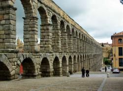 Avia - Segovia-Aquaduct-Cathedral.jpg