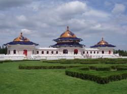 Avia - genghis_khan_mausoleum_2.jpg