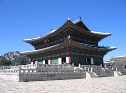 Avia - gyeongbok_palace_(update)5.jpg