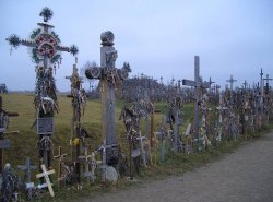 Avia - hill_of_crosses_lithuania_9.jpg