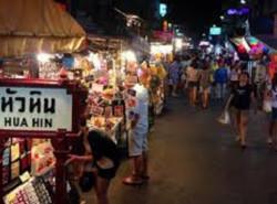 Avia - hua_hin_night_market1.jpg