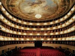 Avia - la_scala_theatre11.jpg