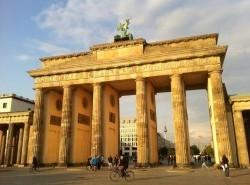Avia - tembok_berlin5.jpg