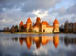 Avia - trakai-castle.jpg