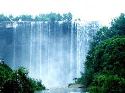 Avia - wanzhou_waterfall.jpg