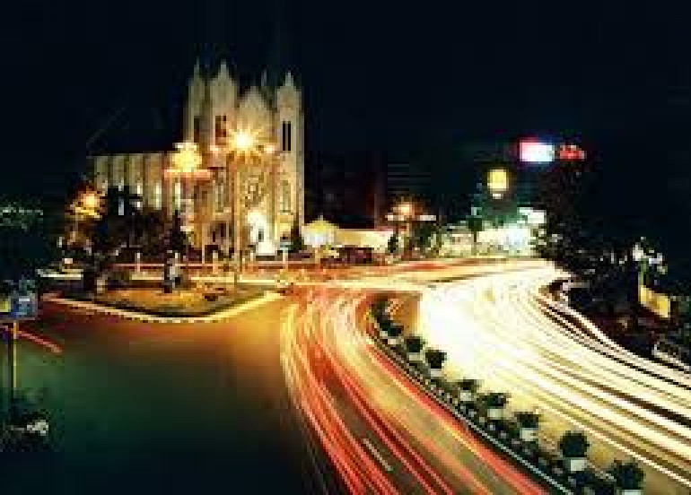 Avia Tour - MALANG PACKAGE 2D1N