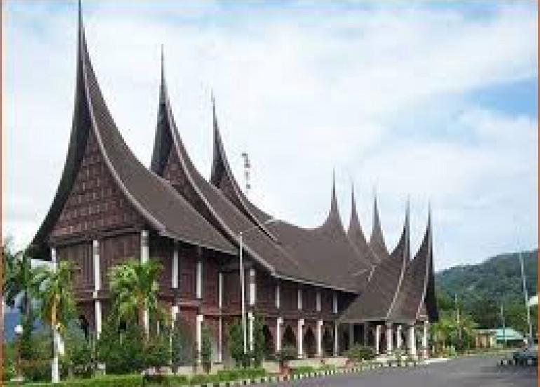 Avia Tour - 3D2N PADANG BUKIT TINGGI PACKAGE
