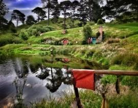 Avia Tour - ULTIMATE SOUTH & NORTH NEW ZEALAND + HOBBITON (INCLUDE GONDOLA RIDE @ BOB'S PEAK)