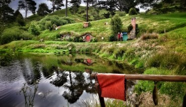 Tour - ULTIMATE SOUTH & NORTH ISLAND + HOBBITON (INCLUDE GONDOLA RIDE @ BOB'S PEAK)