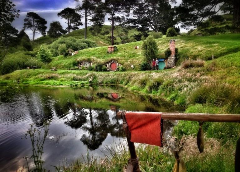 Tour - ULTIMATE SOUTH & NORTH ISLAND + HOBBITON (INCLUDE GONDOLA RIDE @ BOB'S PEAK)