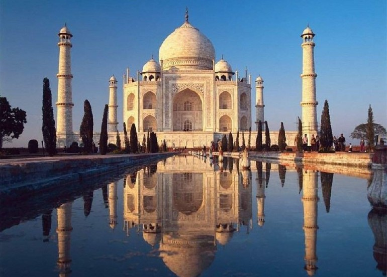 Avia Tour - GLORIOUS TRIANGLE INDIA