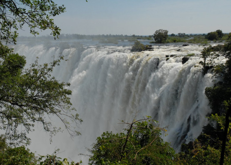 Avia Tour - SOUTH AFRICA WINE TASTING + VICTORIA FALLS & WHALE WATCHING