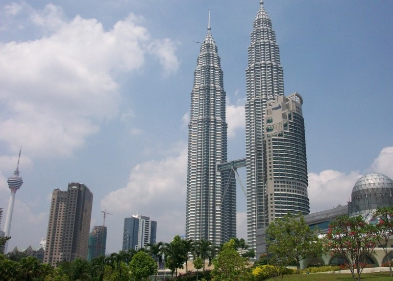 Avia Tour - GDAY MALAYSIA SINGAPORE + MALACCA RIVER CRUISE