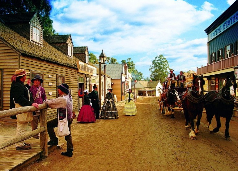 Avia Tour - G'DAY MONO MELBOURNE + SOVEREIGN HILL & BALLARAT WIDLIFE PARK
