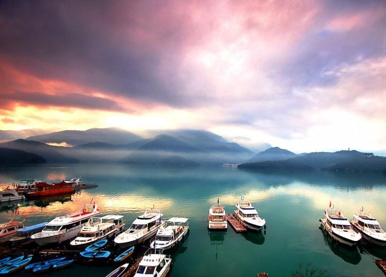 Avia Tour - BEAUTIFUL TAIWAN  + ALISHAN